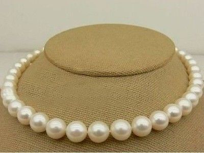 FREE SHIPPINGHUGE 18 10-11MM PERFECT ROUND AAA+ AKOYE WHITE PEARL NECKLACE Gold Clasp AAAFREE SHIPPINGHUGE 18 10-11MM PERFECT ROUND AAA+ AKOYE WHITE PEARL NECKLACE Gold Clasp AAA