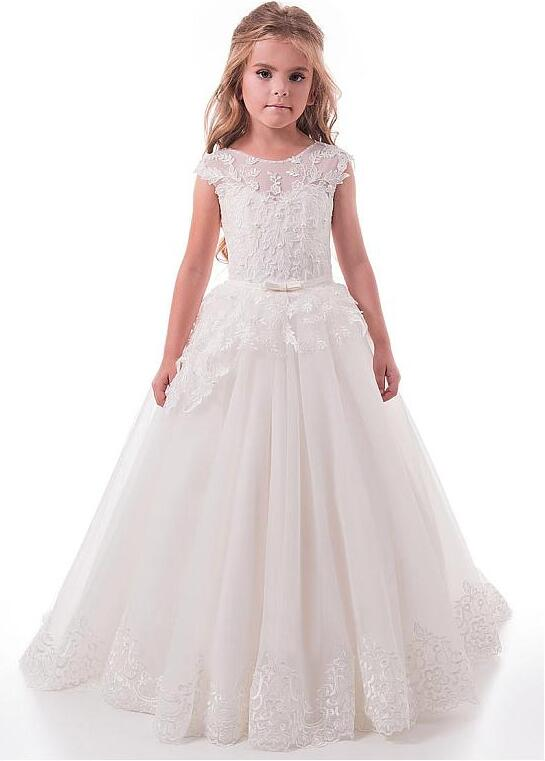 Modest Tulle Lace Girls Communion Gown Scoop Neckline Full Length Flower Girl Dresses With Lace Appliques & Belt недорго, оригинальная цена