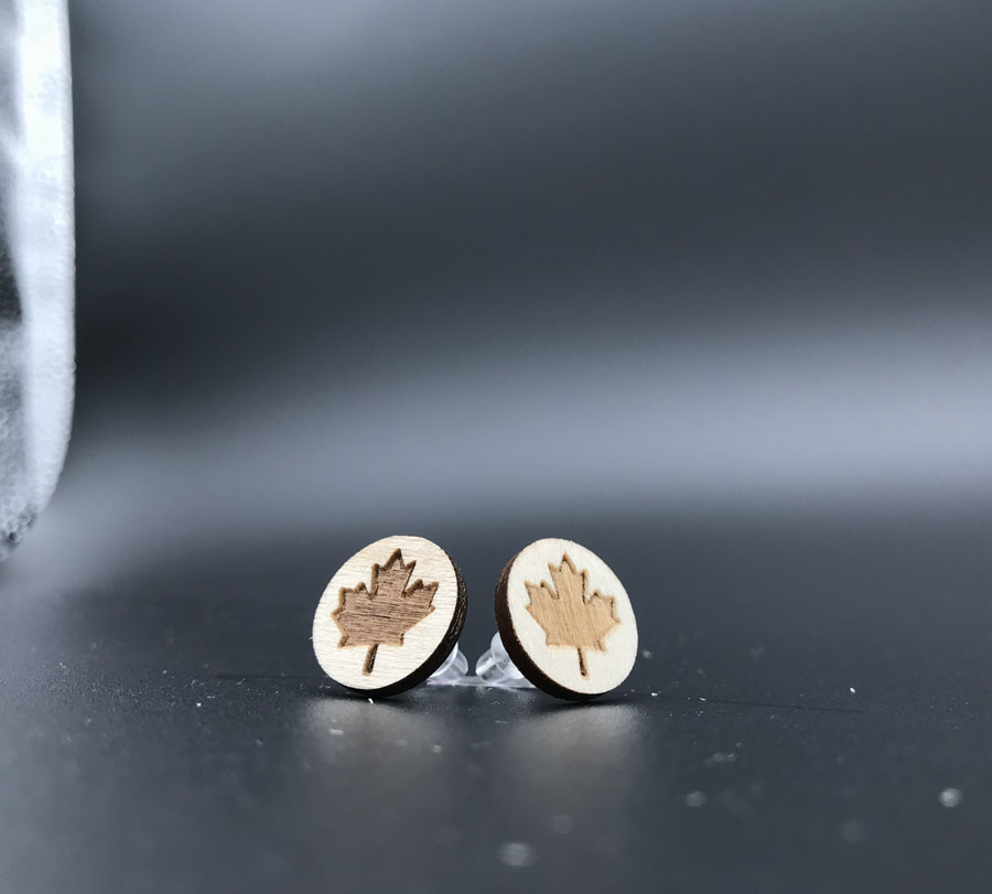 Купить с кэшбэком new  Maple leaf wood  stud earrings , small round disc studs with posts for women  ST-004