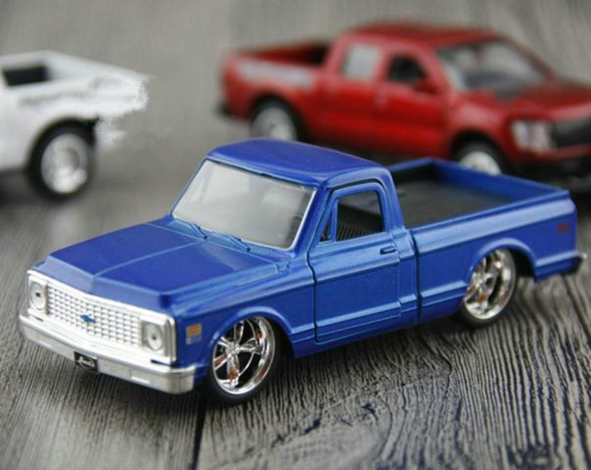Scale Ford Raptor Dodge Pickup Model Car 1: 32 Alloy F150 Pickup Toy Metal Castings Collection Model Free Shippping