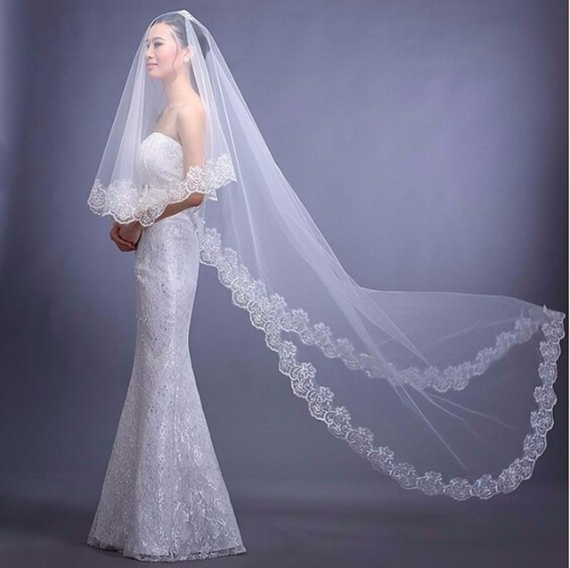 2017 New Wedding Veils With Appliqued Edge 3M White Ivory Red Accessories Romantic