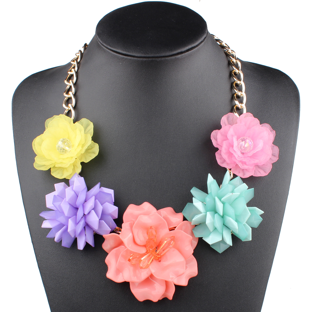 Claire Jin Trendy Mix and Match Different Kinds Five Flowers Necklace Women Exaggerated Jelly Clear Fashion Choker Party Jewelry