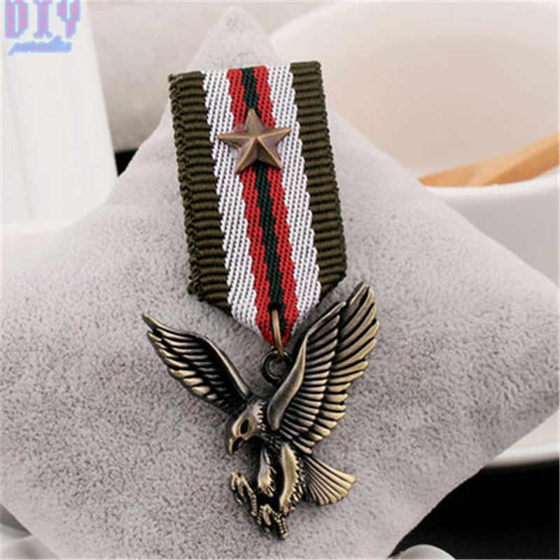 Inglaterra cinco estrelas águia cavalo militar metal emblema retro fabri placa de ombro emblemas do exército pino no broche medalha feito à mão