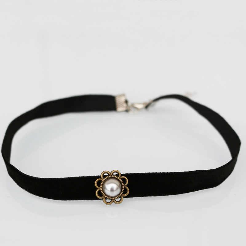 1 sztuk naśladować Pearl Retro łańcucha naszyjnik choker w stylu Vintage akcesoria czarne aksamitne dekoracyjne kobiet łańcuch na szyję moda biżuteria