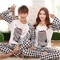 Novo 2015 primavera e outono Amantes sleepwear seda longo-luva amantes dos desenhos animados home wear casal pijamas conjuntos para homens e mulheres