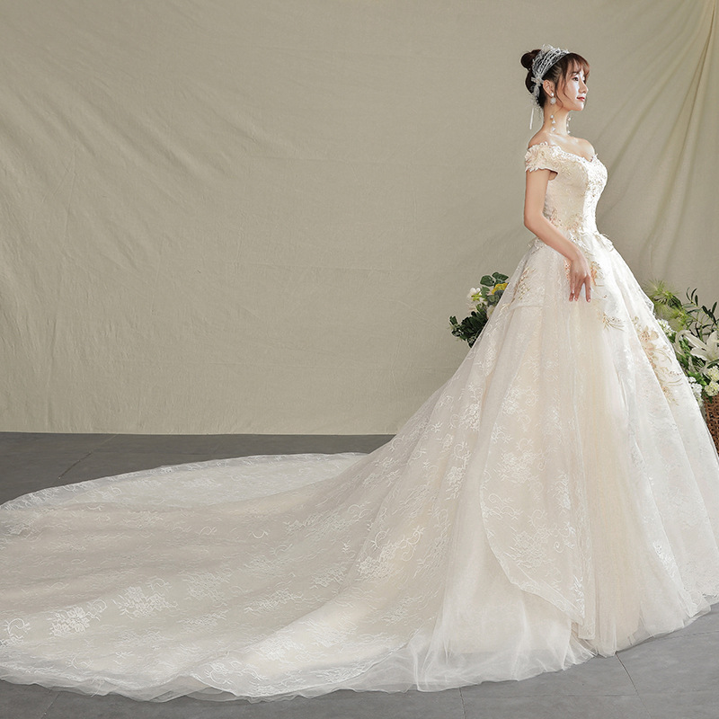 2019 New Wedding Dress Romantic Champagne Color Lace Flower Boat-neck Cathedral Train Wedding Dress Europe American Hot Selling
