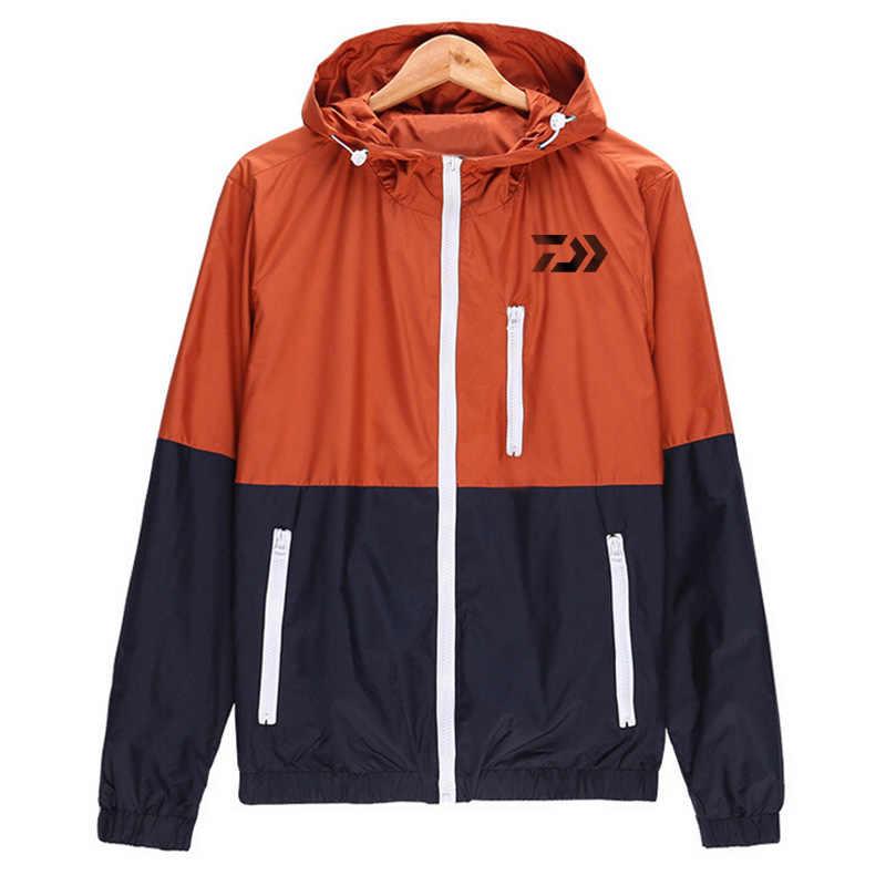 2018 marca DAIWA sudaderas con capucha para pesca al aire libre Sudadera con capucha holgada chaqueta de protección solar hombres ropa de pesca con capucha