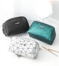 цена на New Portable Cosmetic Bag Women Large Capacity Storage Makeup Bag Fashion Travel Organizer Make Up Bag Zipper Wash Pouch