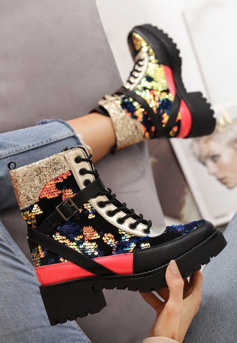 [GOGD]2020 autumn and winter new women's boots Platform super high heel Martin boots Fashion Martin boots Women's boots