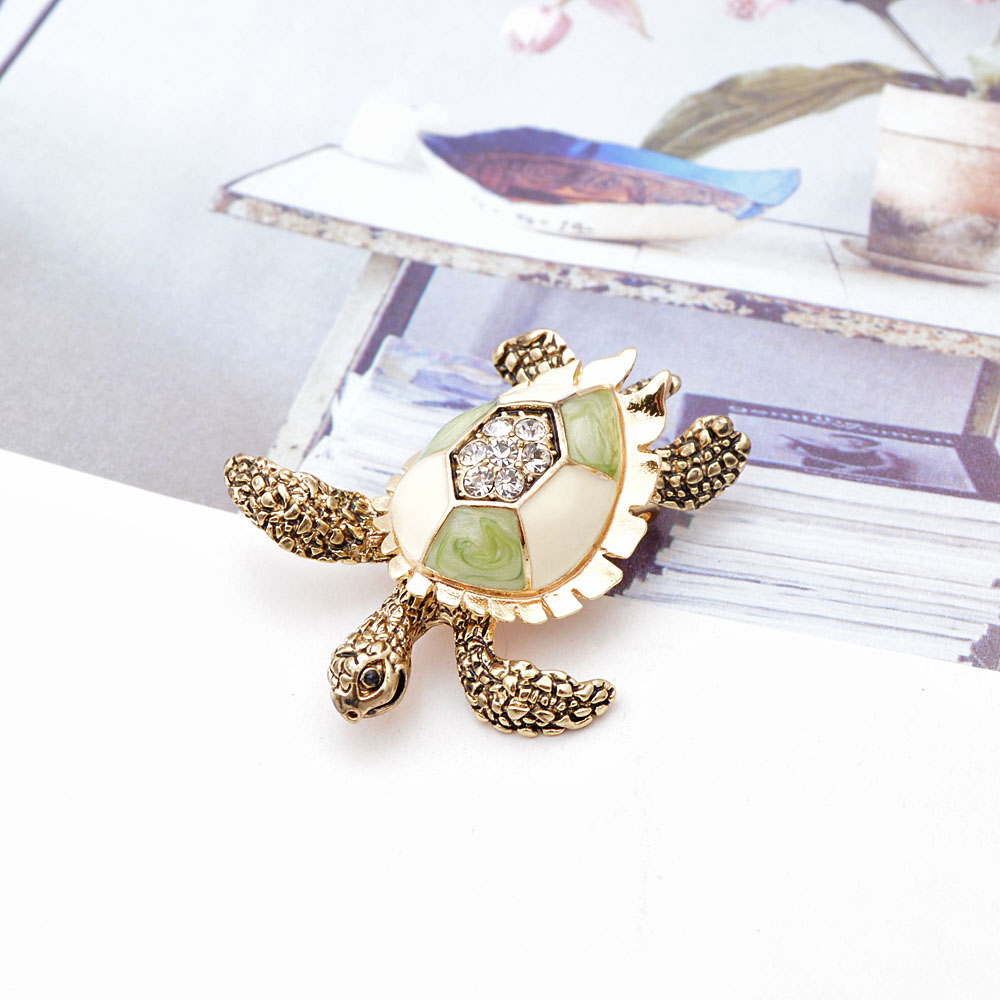 CINDY XIANG Rhinestone Turtle Brooches For Women Vintage Enamel Pin Fashion Animal Pin Accessories Creative Deisgn Vivid Jewelry 3