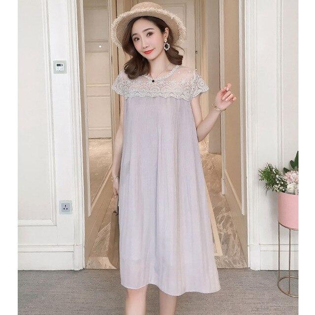 Sleeveless Lace Maternity Dress 3