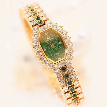 Woman Watches Quartz Ladies Watch Diamonds Bracelet Watch Green Stone Gold Waterproof Montre Femme Montre Rhinestone Wristwatch green goods stone bracelet too send the certificate