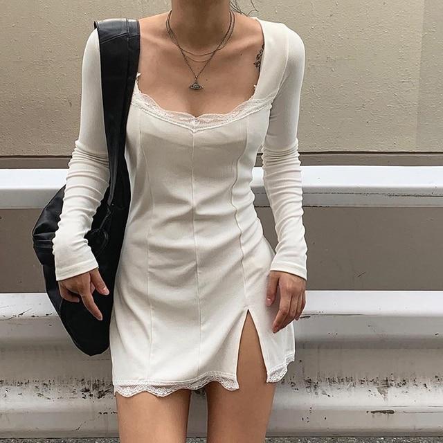 Darlingaga-vestido negro ajustado de retazos de encaje con cuello cuadrado para mujer, elegante Vestido corto de algodón a la moda con abertura lateral para otoño 2