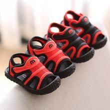 Letnie nowe chłopięce fajne buty 1-3 letnie dziecięce letnie sandały chłopięce maluch chłopcy buciki chłopięce obuwie Casual tanie tanio ROMIRUS baby Mieszkanie z RUBBER Mesh (air mesh) Lato Pasuje prawda na wymiar weź swój normalny rozmiar Baby boy Solid Color