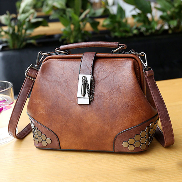 Fashion Women Handbags New Women Lock Chain Rivets Vintage Pu Leather Crossbody Shoulder Bag Ladies Doctor Bags Female Totes 2
