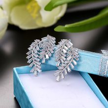 New fashion leaves zircon pendant Silver earrings female models white crystal cubic zirconia bridal jewelry Love gifts