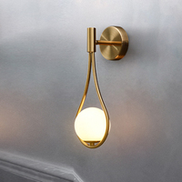 Lámpara de cristal de pared moderna nórdica, mesita de noche, decoración de dormitorio de Metal de latón, luz para lectura de cabecera, escaleras, Iluminación del pasillo