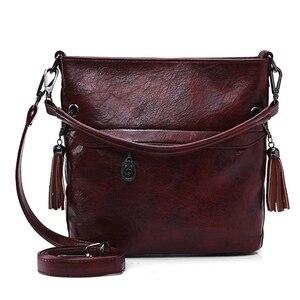 Image 1 - Weiche Retro Tote Öl Leder Eimer Sac Luxus Handtaschen Frauen Taschen Designer Damen Schulter Crossbody Hand Taschen für Frauen 2020