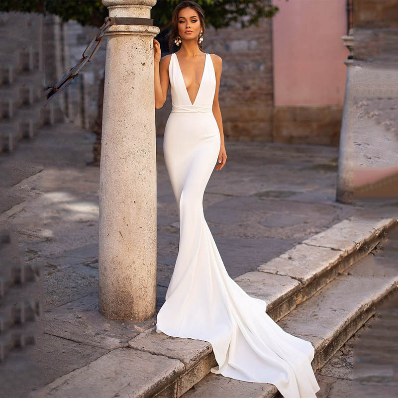 Smileven Mermaid Wedding Dress Spandex Sleeveless Sexy Deep V Neck Beach Bride Dresses Train Elegant Wedding Boho Bridal Gowns pocket