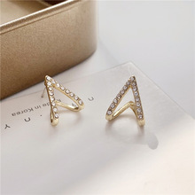 Fashion temperament contracted super flash small stud earrings triangular geometry character earrings adorn article the new european and american fashion earrings contracted dazzle colour hollow out long wings ms popular earrings adorn article