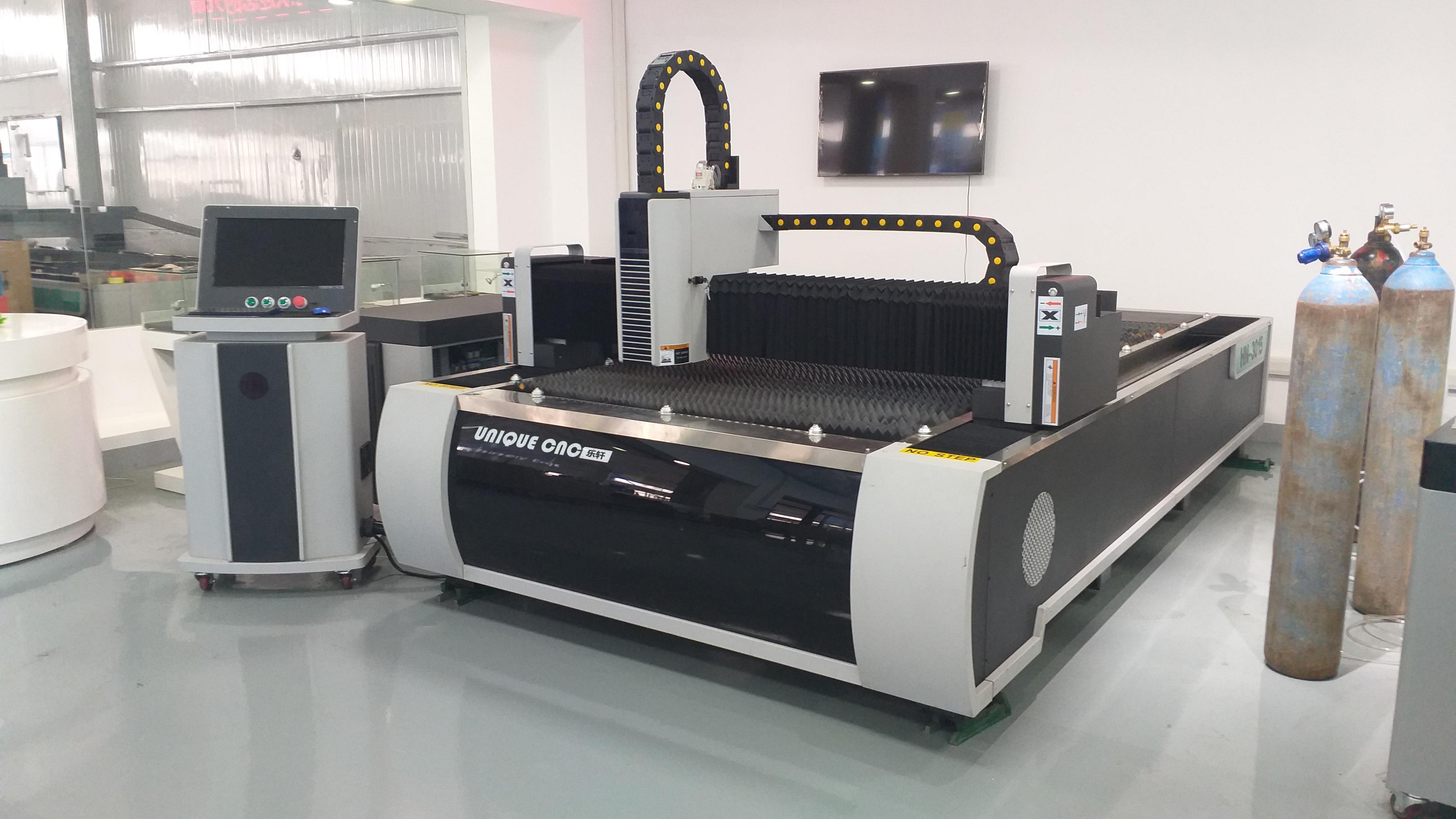 130x250cm All Servo Motors 1000W Metal Fiber Laser Cutting Machine