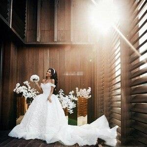 Princesse Arabric robe de bal dentelle robes de mariée épaules nues 3d-appliques florales chapelle Train robes de mariée grande taille sur mesure