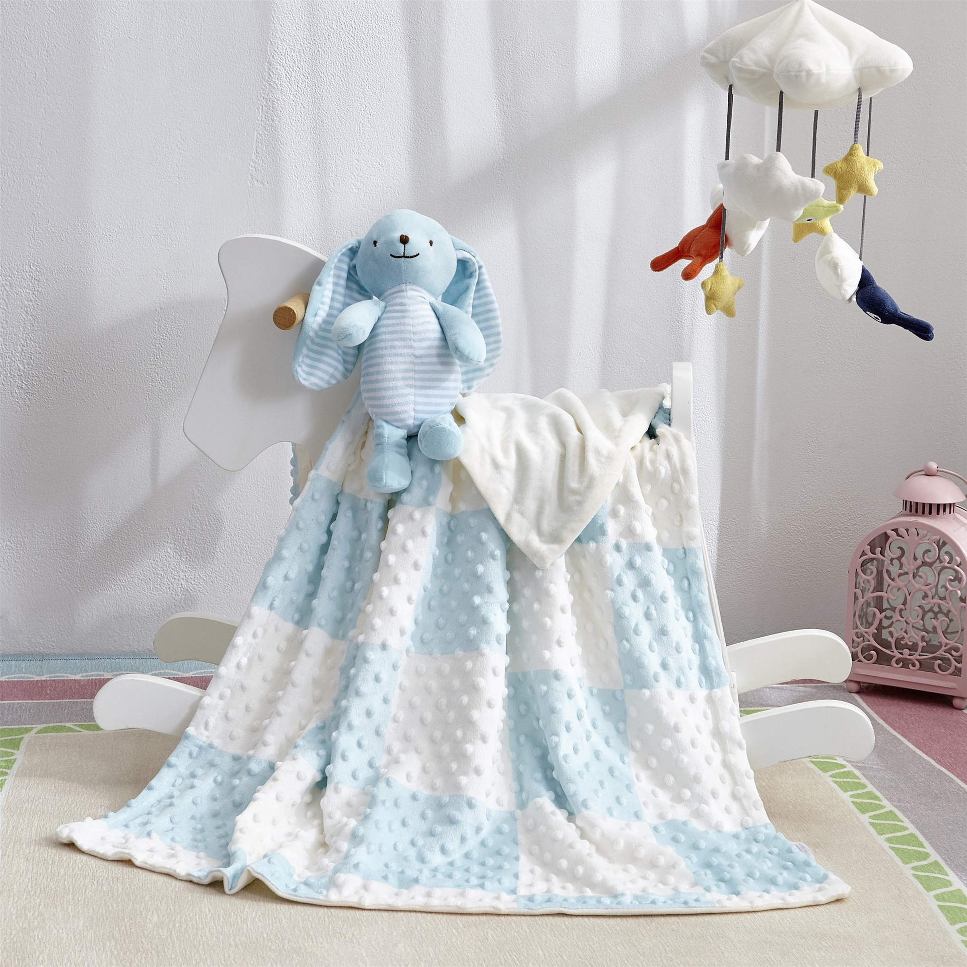 Newborn Baby Quilts Blanket With Toy Soft Stroller Sleep Cover Cartoon Beanie Infant Bedding Swaddle Wrap Kids Bath Towel