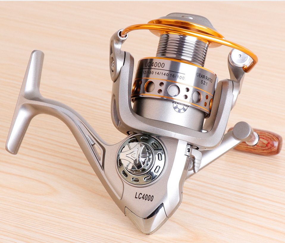 TREHOOK Super Strong 5.21 Baitcasting Reel Metal Spinning Reel Winter Fishing Accessories Sea Fishing Reels With Wooden Knob 017