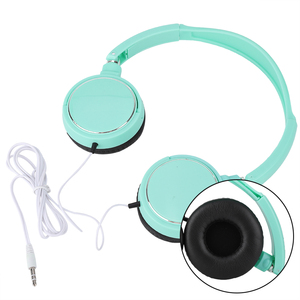 Auriculares estereoscópico de sonido Surround 3D con cable, auriculares plegables de música, color verde con modo FM