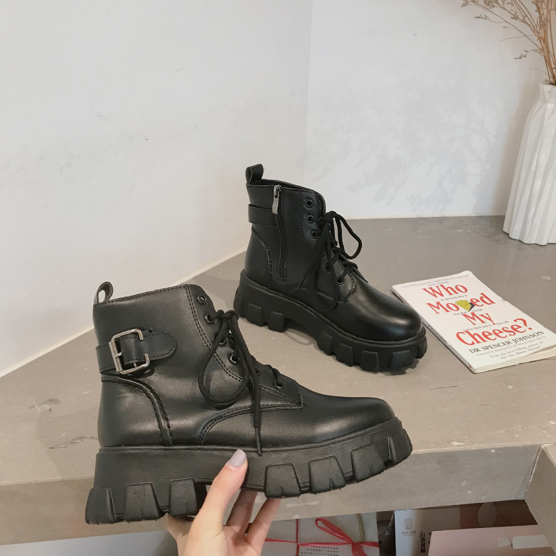 Casual Platform Shoes Women Matin Boots Cross-tied Brand Autumn Ladies Ankle Boots Front Zipper Female botas mujer Black Shoes