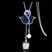 Fashion Wild Snowflake Flowers Swan Alloy Crystal Pendant Long Necklace Jewelry Womens Tassel Autumn and Winter Sweater Chain