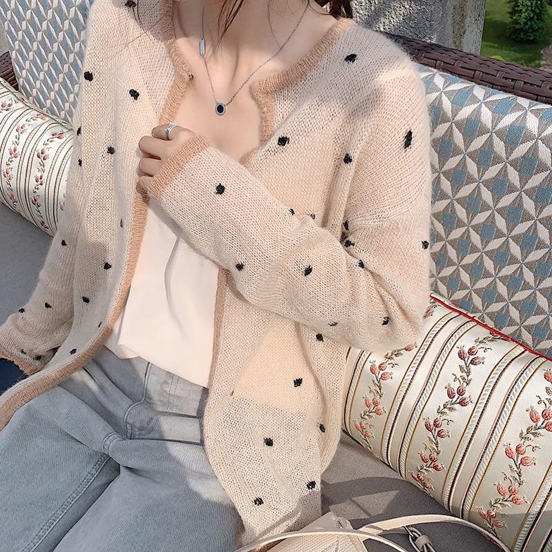 MISHOW 2019 Autumn Vintage Lady Dot Knit Cardigan Women Fashion Causal Long Sleeve Thin Coat MX19C5246