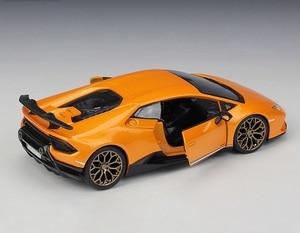 Image 3 - Bburago 1:24 Lamborghini Huracan Performante Diecast model car
