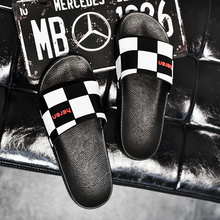 2019 New Men Shoes Flat Summer Beach Slippers  Black and White Plaid Home Slipper Fashion Outdoor Flip Flop Casual Sandal