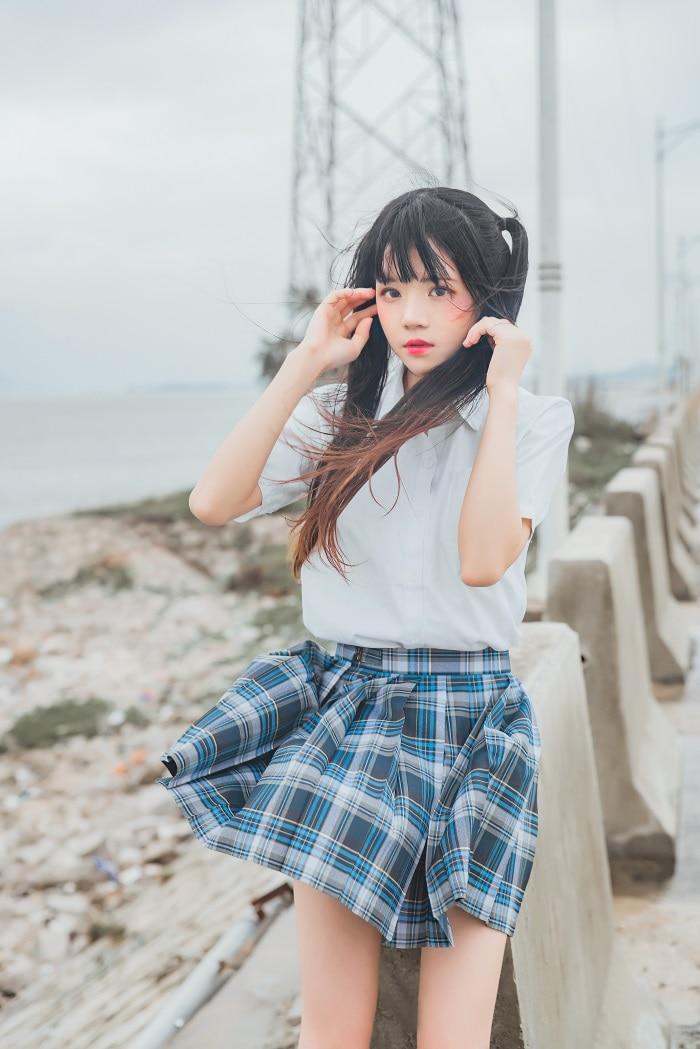微博红人萝莉风COS 桜桃喵 – 耳畔的风COS [27/377MB]