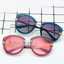 Hot Hot Hot SHEN NUO 2 Series luxury brand women cat eye oversize sunglasses for