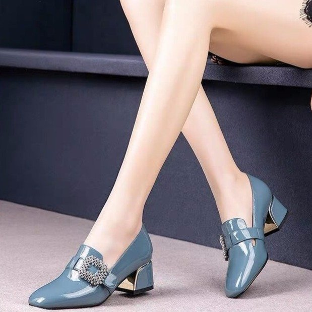 2020 British Style Women Work Shoes Thick Heel Single Shoes Joker High Heels Square Head Women's Shoes Patent Leather Rhinestone