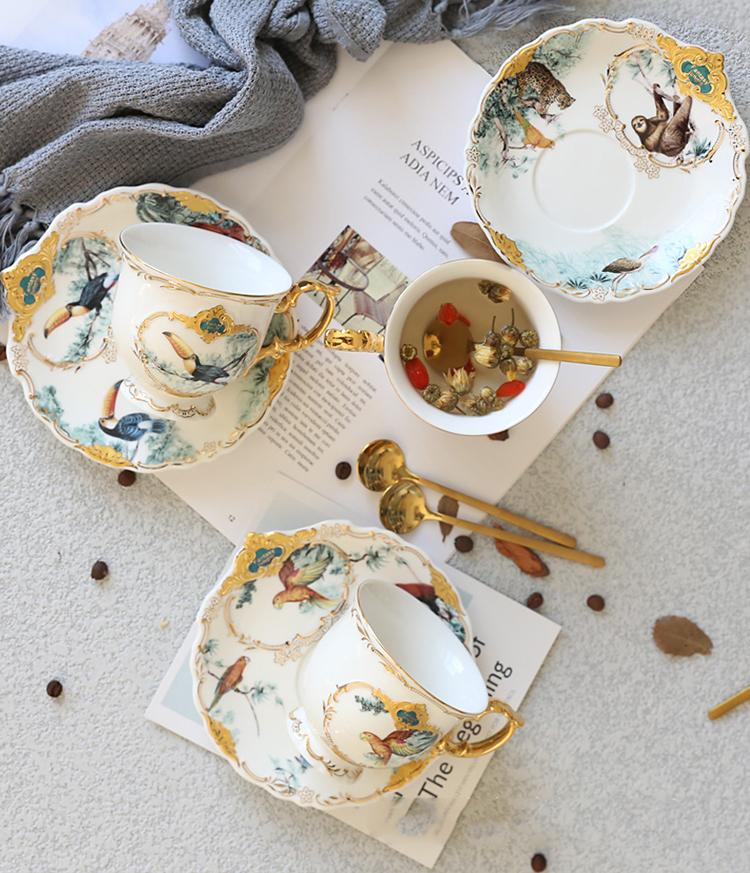 Набор керамических кофейных чашек в форме джунглей животных