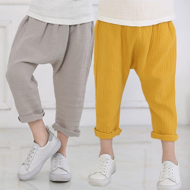Летние Новые однотонные льняные плиссированные детские брюки до щиколотки для маленьких мальчиков Брюки-шаровары для детей