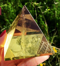 603+++++ Natural yellow crystal ornaments Pyramid gather energy crystal office desktop decoration(China)