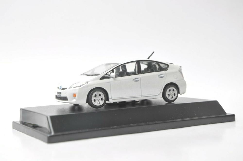 1:43 Diecast Model For Toyota Prius Hybrid White Alloy Toy Car Miniature Collection Gifts