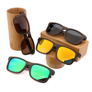 Image 3 - 2019 New Retro Mens Polarized Sunglasses UV400 Handmade Green Bamboo Wood Glasses UV400 Men Sun Glasses wholesale