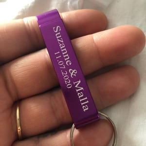 Image 5 - En gros 100 pièces personnalisé gravure texte Logo décapsuleur chien Tag porte clés porte clés personnalisé cadeau de mariage