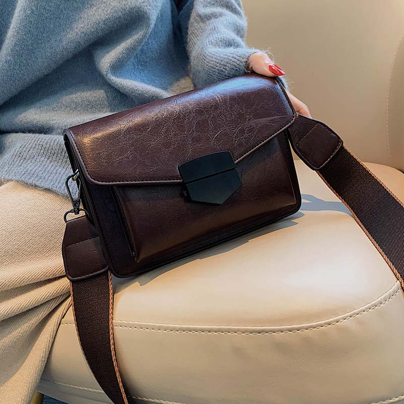 Vintage Small Flap Designer Wide Strap Women Shoulder Bags Luxury Pu Leather Crossbody Bag  Lady Envolope Messenger Bag Purses