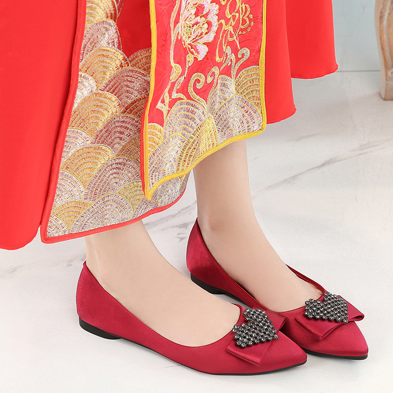 Chinese Style Marriage Shoes Wine Red Man-made Diamond Pointed-Toe Large Size Flat Xiu Shoes Bridal Shoes Wedding Shoes Wedding