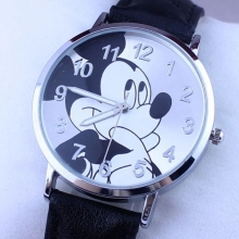 2018 q version of the fashion popular belt quartz watch cartoon black mickey children students