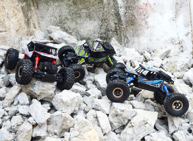 1 18 4wd rc cars 2 4G remote control car Toys car remote Buggy Trucks Off