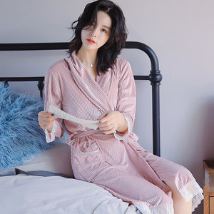 Image 2 - Herbst Winter Weibliche Bademantel Sexy Kimono Bademantel Nachtwäsche Frauen Bademantel Nachthemd Spitze Nachtwäsche & robe