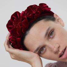 Moda Boho duża róża czerwony kwiat gruby aksamitny pałąk dla kobiet szerokie opaski do włosów elegancka dziewczyna akcesoria do włosów Vintage opaska tanie tanio Brak Cyrkonia Hairbands TRENDY PLANT