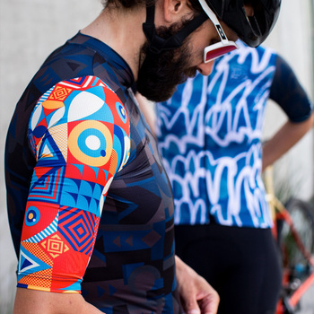 SDIG Top Quality black Short sleeve cycling jersey pro team aero cut with Newest Seamless process road mtb